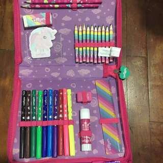 Smiggle set of colored markers,pencil etc