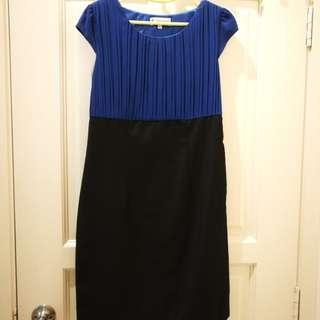 Short blue and black dress