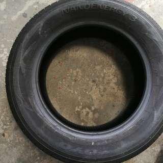 Tyre 215/60/16