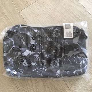 [Out of Stock]BNIP/BNWT Jujube Black Petals Be Quick