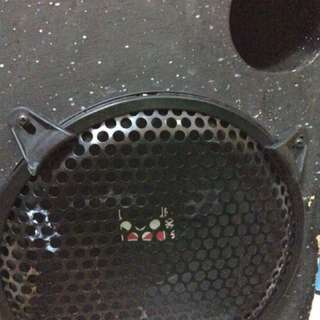 """Kicker 10"""" subwoofer come with enclosure FREE amplifier"""