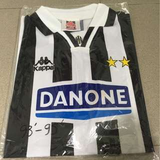 Authentic Classic Juventus FC 93/95 Home Jersey