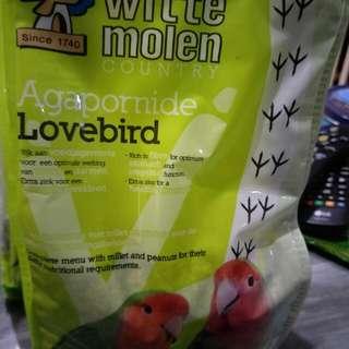 Parrot food for older birds