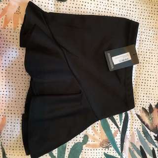 Pretty little thing skirt black size 8