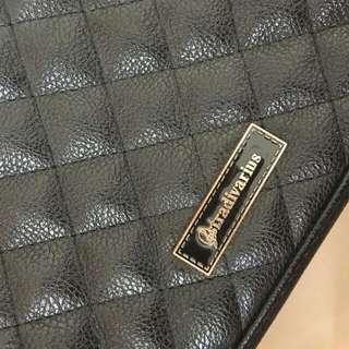 Stradivarius black slingbag