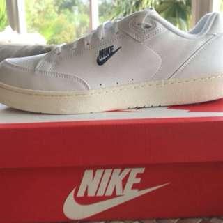 Nike Grandstand II White, Sail, Arctic Punch