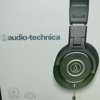 Audio-technica ATH-M40x selling cheap (negotiable price)