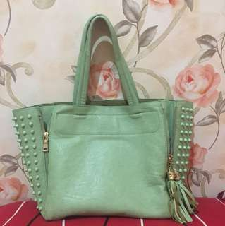 Minty Studd Bag