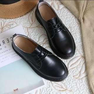 🚚 低根復古皮鞋