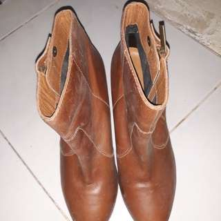 Preloved Brown Leather Boots