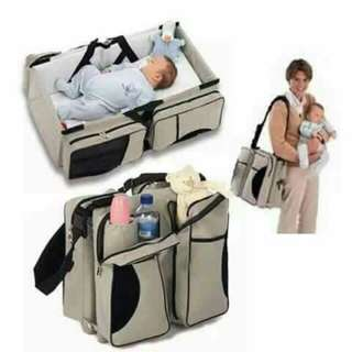 Baby 3 in 1 travel bed and bag (repriced)