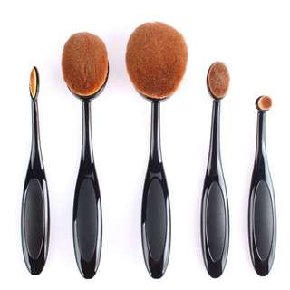 Oval brushes 4 pieces