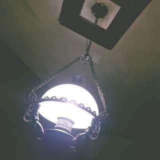 Old skul chandelier ANTIQUE