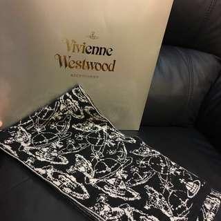 正版 Vivienne Westwood全新頸巾,Made In Italy,附原裝禮盒。注意:可面交或先入數之後順豐到付
