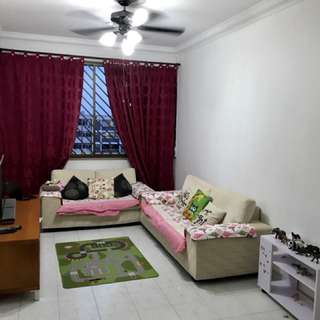 Blk 398 yishun ring road 4A unit for rent