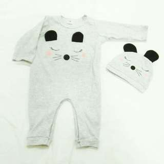 Baby one set. Jumpsuit with beanie.