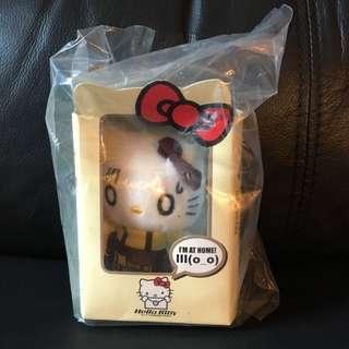 正版 Hello Kitty掛飾毛公仔。注意:可以先入數之後順豐到付