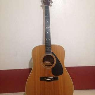 YAmaha FG 200D acoustic guitar