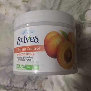 St. Ives' Apricot Scrub Blemish Control