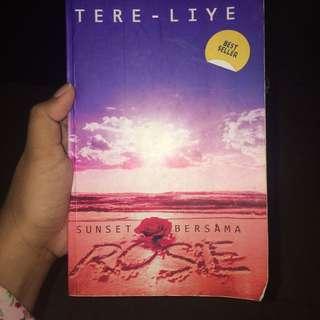 TERE LIYE SUNSET BERSAMA ROSIE
