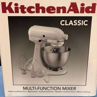 BNIB kitchen aid mixer- white