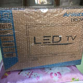 AVision 19 inch LED TV (sealed)