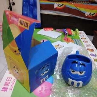 M&M藍色小湯杯連盒。