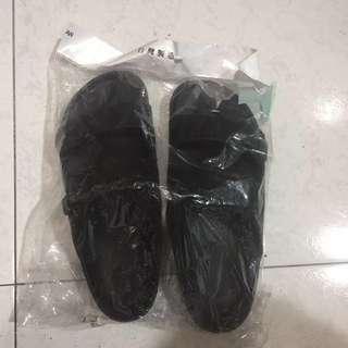 🚚 防水拖鞋