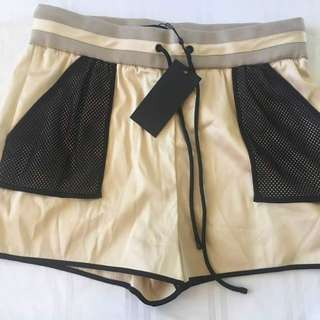 💓BNWT  KILIE& KENDAL SHORT( highwaist)