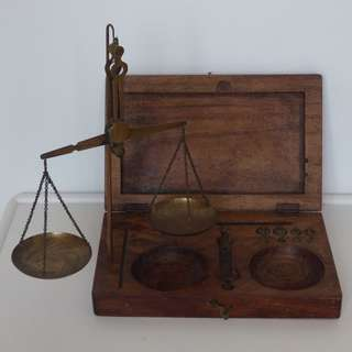 Vintage Brass Precision Balance Scale in Travel Wooden Box with Brass weights for measurements