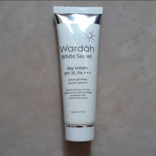 Wardah White Secret Day Cream 17 ml