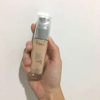Loreal Foundation in F2
