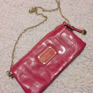 Marc by Marc Jacobs 桃紅色斜背袋