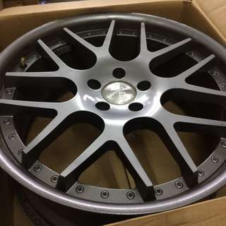 "20"" Pre-Owned Original League Sports Rim"