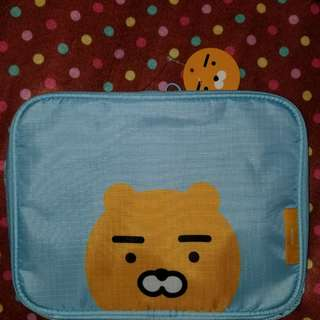 韓國KAKAO FRIENDS Travel Pouch藍色旅行收納袋