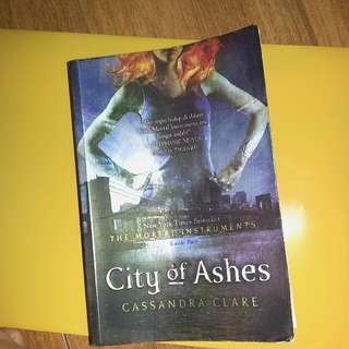 Novel City of Ashes