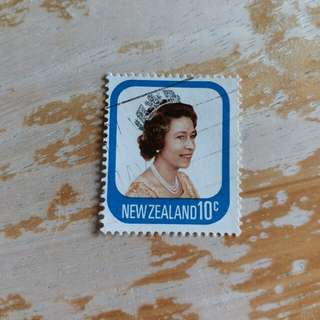 新西蘭英女皇已銷郵票1枚 A03