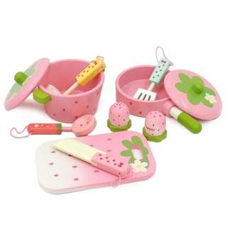 BN Wooden Cooking Crockery and Kitchen Utensils Toy Play Set