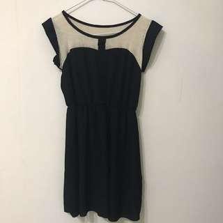 🚚 黑色(米色網紋)洋裝