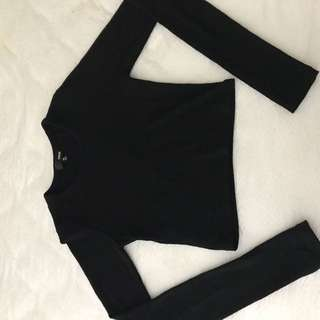 Aritzia Long Sleeve Black Cropped Top
