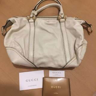 Gucci hand bag(Medium size)