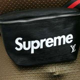 Supreme x lv pouch