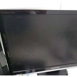 Samsung 226BW  22 inch monitor screen (scratched)
