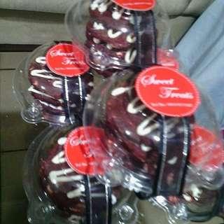 Red Velvet White Choco Chip Cookies