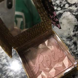 BENEFIT BLUSH FOR LESS
