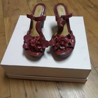 Red Leather Sandals...Born Naturalizers Size 7