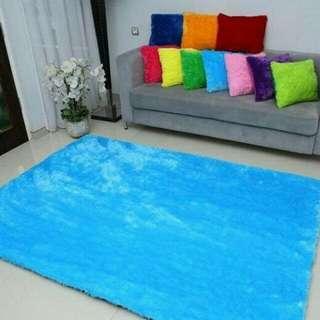 Karpet Bulu uk. 200 x 150 x 3cm