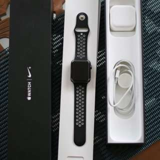 Apple iwatch 42mm series 2 nike plus