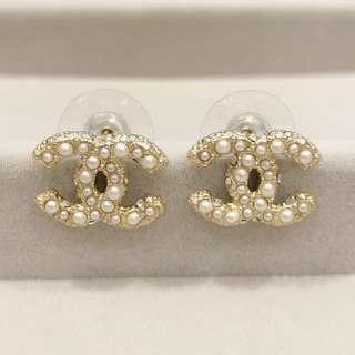 Chanel cc logo珍珠水鑽早耳環 earring