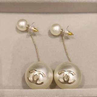 Chanel 大熱款 大珍珠垂吊耳環